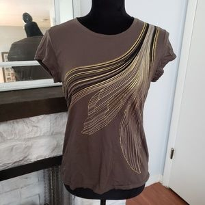 🍒5 for $20 Tahari brown and gold cotton tee. Sz M